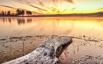 See im Sonnenuntergang von videomundum