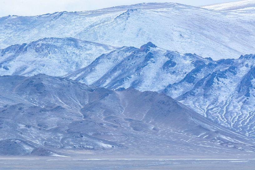 Blauwe bergen van Nanda Bussers