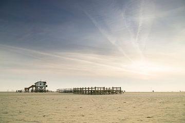 Am Strand von Sankt Peter-Ording von Annette Sturm