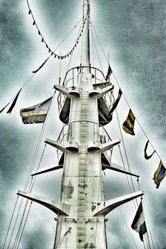 De mast van de SS Rotterdam. van Mariska Brouwenstijn