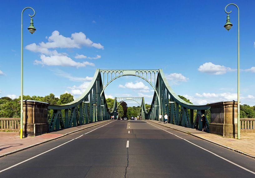 Route vers Berlin au pont Glienicker sur Frank Herrmann