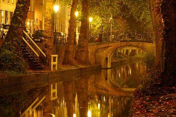 Nieuwegracht in Utrecht met Magdalenabrug von Donker Utrecht