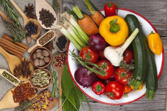 Herbs and vegetables Kitchen van Thomas Klee