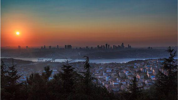 Zonsondergang in Istanbul - Turkije van Roy Poots