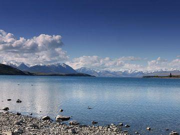 The view at Lake Tekapo  van Iris Lok