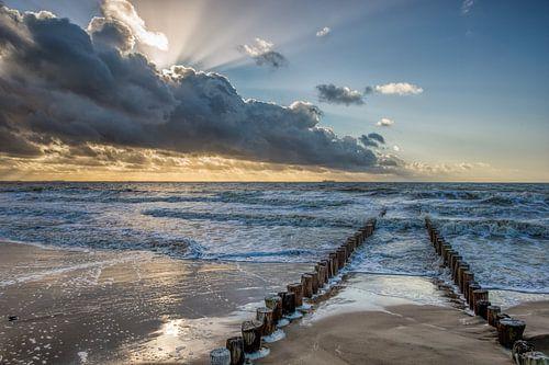 Golfbreker aan de zeeuwse noorzee kust bij Dishoek. Wout Kok One2expose sur Wout Kok