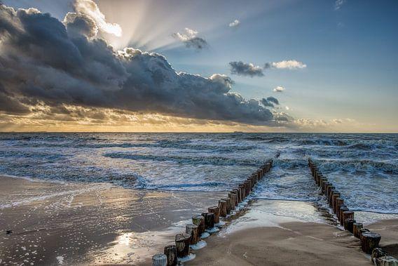Golfbreker aan de zeeuwse noorzee kust bij Dishoek. Wout Kok One2expose