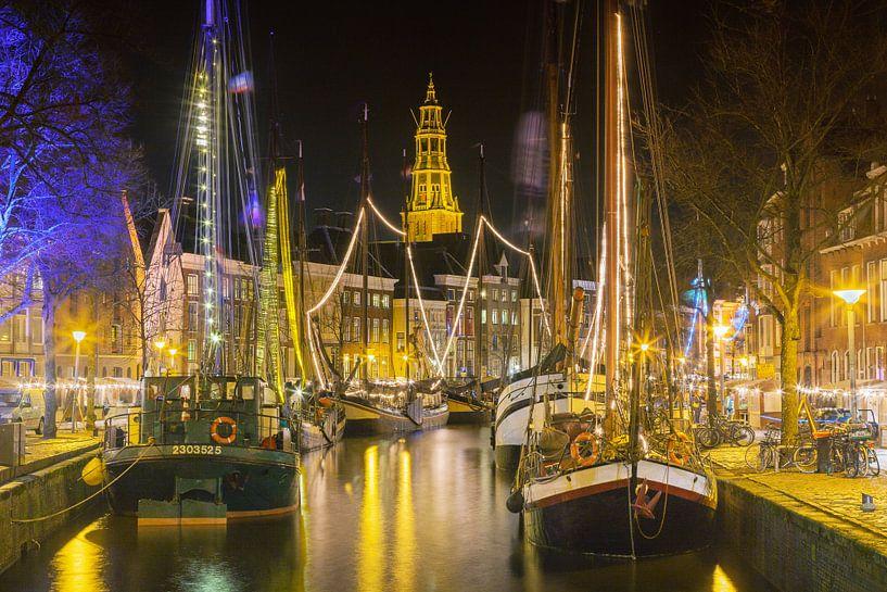 Zeilschepen in het centrum van Groningen tijdens Winterwelvaart van Evert Jan Luchies
