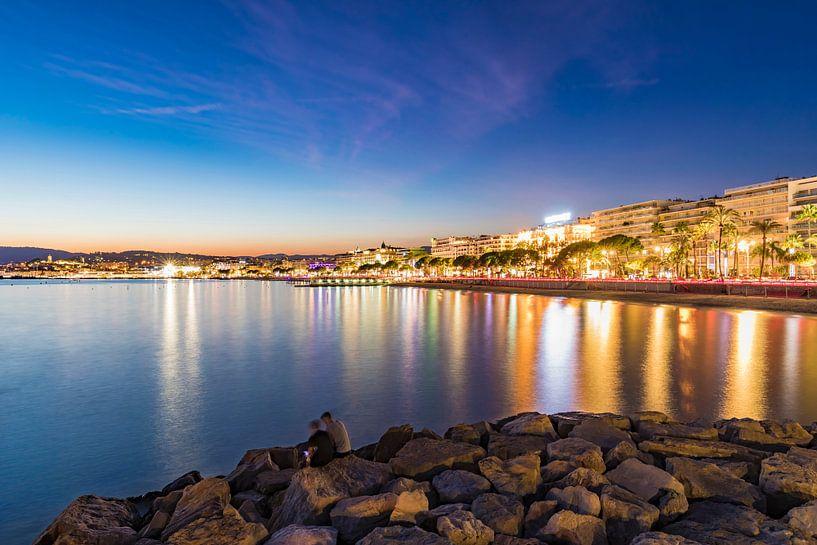 Cityscape with the Blvd. de la Croisette in Cannes, France van Werner Dieterich