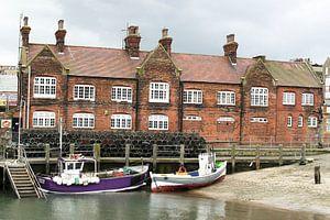 De haven van Scarborough I Vissersboten I Vintage van Floris Trapman