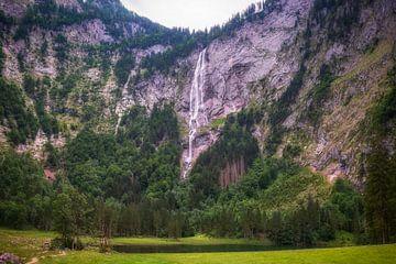 Wasserfall in großer Höhe von Maikel Brands