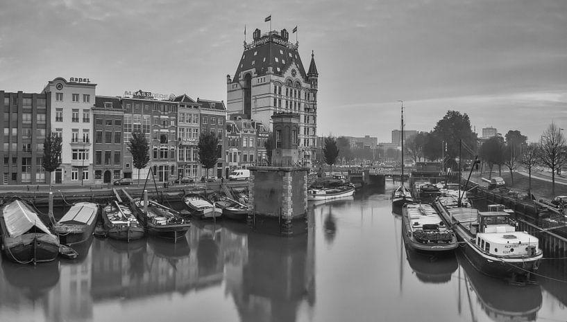 Wijnhaven Rotterdam met Witte Huis. van Ilya Korzelius