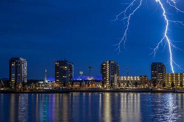 Feyenoord stadion met onweer 12 von John Ouwens