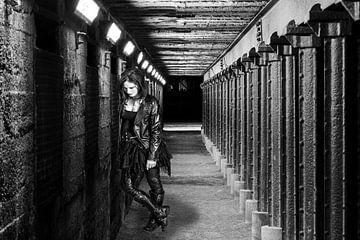 Punk-Mädchen in Schwarz-Weiß von Jack van der Spoel