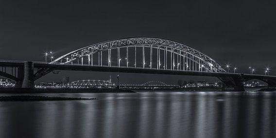 Waalbrug Nijmegen by Night - 2