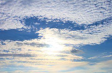blauwe hemel van Roger Hagelstein