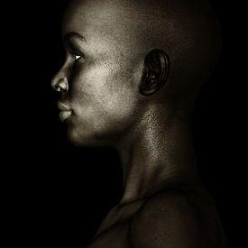 Vrouw Portretten - Zwart-wit Profiel Van Een Afrikaanse Vrouw van Jan Keteleer