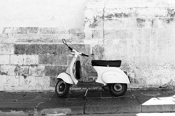 Vespa Noto, Sicilië von Nikki van den Brink