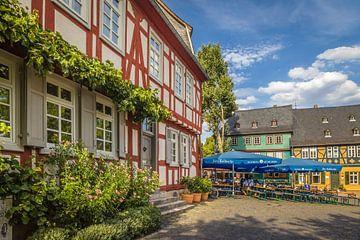 Vakwerkhuizen in de oude stadskern van Frankfurt-Höchst, Hessen van Christian Müringer