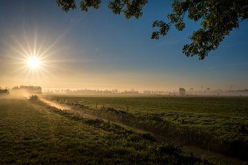 Mooie zonsopkomst weiland von Moetwil en van Dijk - Fotografie