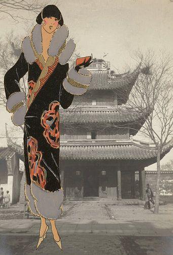 Dame bij een Chinese tempel