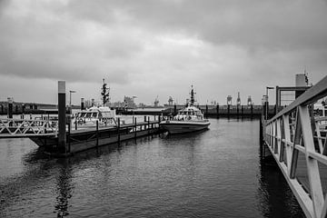 Loodschepen in de haven wachtend op de loods. van scheepskijkerhavenfotografie