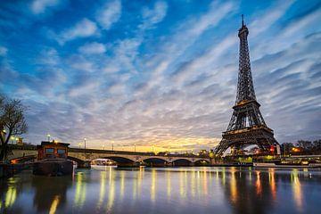 Winterochtend bij de Eiffeltoren van Michael Abid