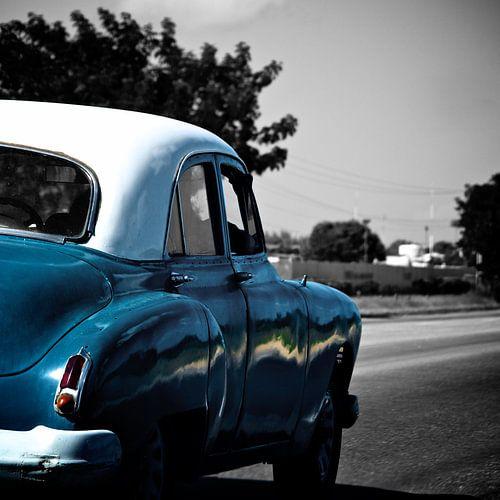 Oude Amerikaan in Cuba van