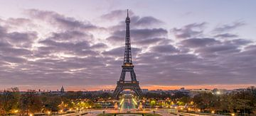 Eiffelturm bei Sonnenaufgang sur Henk Verheyen