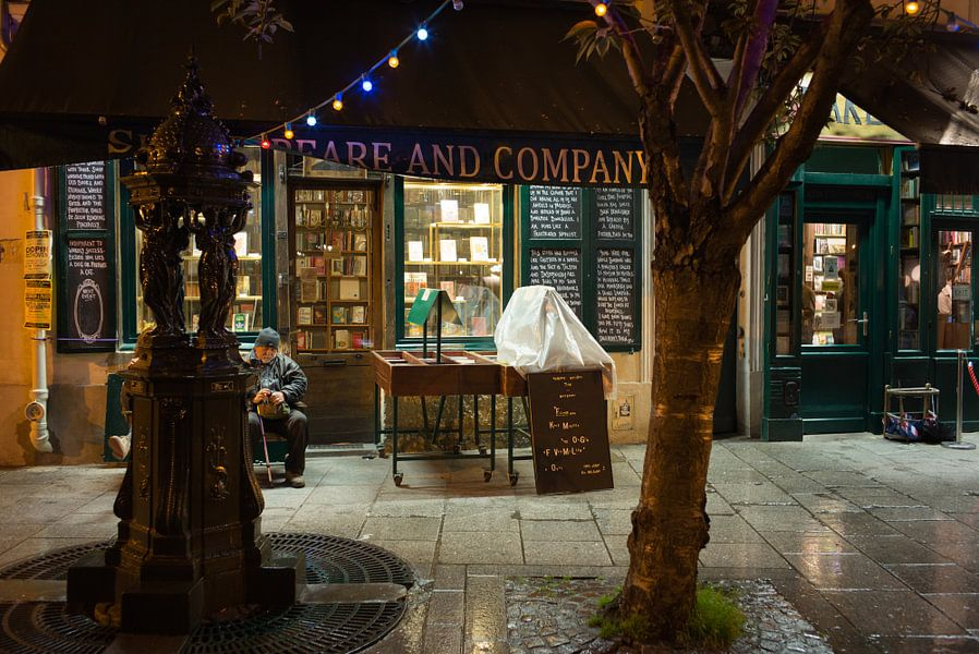 Shakespaere and Company