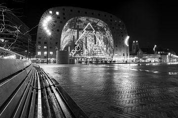 Markthal in de nacht