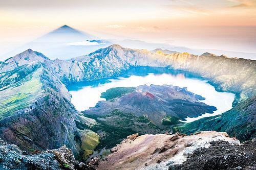 Rinjani vulkaan van Roel Beurskens