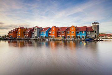 Dynamisches Foto der Häuser des Hafens Reitdiep von Paul Weekers Fotografie