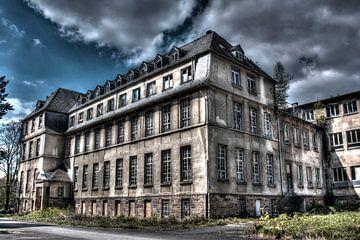 Abandoned von Herman van den Berg