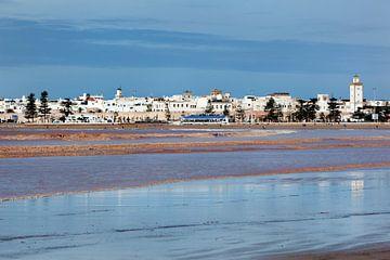 Skyline en strand van Essaouira in Marokko van Peter de Kievith Fotografie