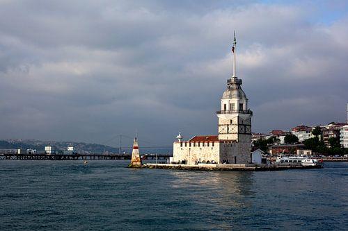 Foto van de Maiden Tower in de Bosporus, in Istanbul, Turkije. Reisfotografie.