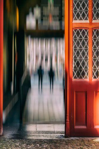 Doorkijkje in Brugge (Belgie) van Ellen Driesse