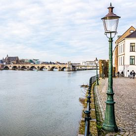 Maastricht - stadgezicht vanaf de Maas van Henk Verheyen