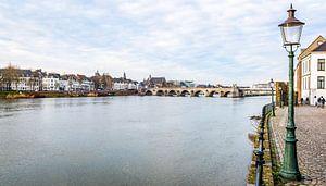 Maastricht - stadgezicht vanaf de Maas