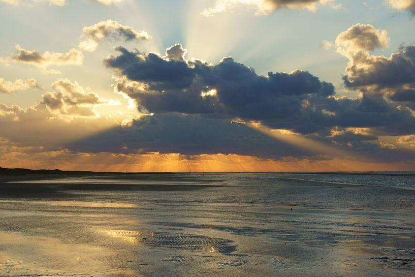 Strand en zee bij Ouddorp sur Michel van Kooten