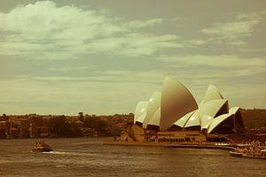 Nostalgic Sydney Opera House-2 van Tessa Louwerens