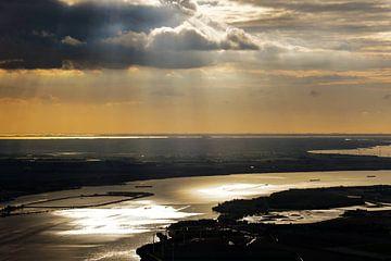 Zonsondergang bij Brabantse biesboschen van Remco de Zwijger