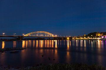 Waalbrug Nijmegen van Roland Smanski