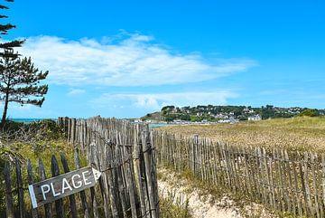 Strandeingang in der Normandie von Bert de Boer
