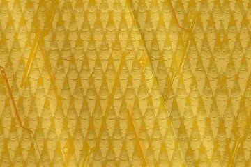 Grafisch patroon, goudgeel van Rietje Bulthuis