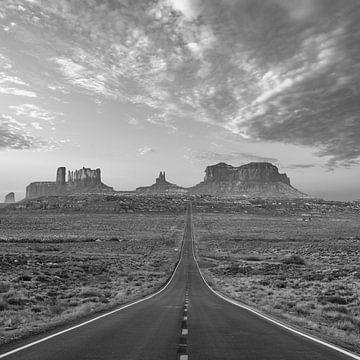 De oneindige weg naar de horizon van Monument Valley van Remco Piet