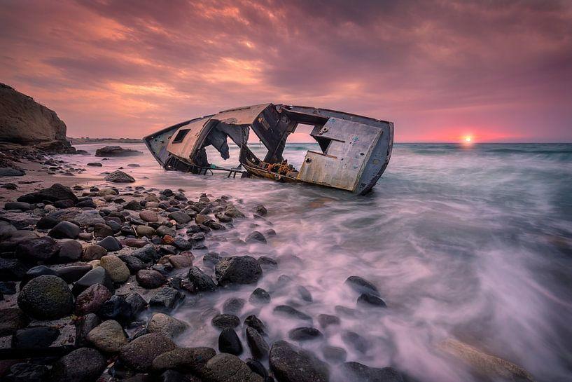De scheepswrak van Kos Island van Costas Ganasos
