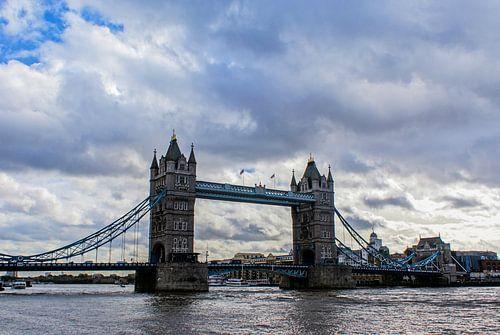 London - Tower Bridge van