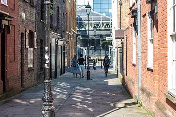 Stelletje in Londens straat beeld van