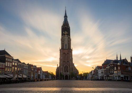 De nieuwe kerk op de grote markt in Delft van